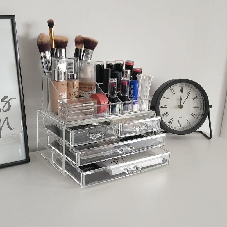 XL akrilni organizator šminke